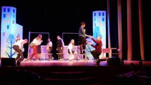 В Концертном зале ЦДК «Звезда» состоялся показ спектакля «Когда я стану великаном»